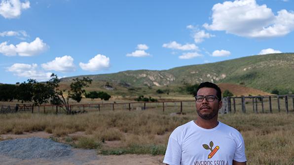 O agrônomo Ricardo Garcia da Silva é educador do projeto Viveiros Escola